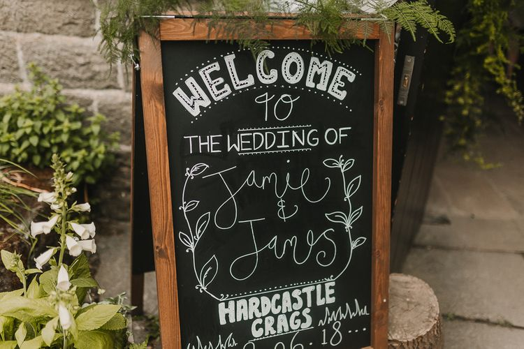 Chalkboard Welcome Sign For Wedding / Image By Lianne Gray Photography