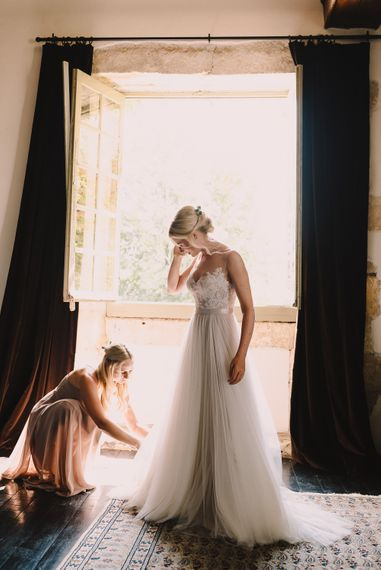 Wedding Morning Bridal Preparations | Bride in Watters Gown | Bridesmaids in Jenny Yoo Dresses | Sophisticated Outdoor Wedding at Chateau Riguad, France with Neutral Colour Palette | Modern Vintage Weddings Photography