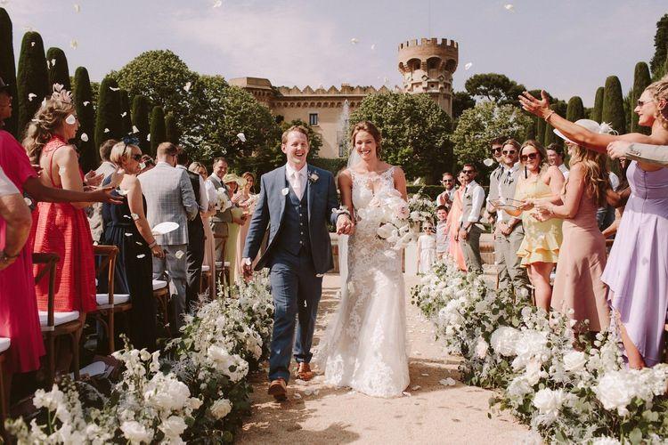 五彩纸屑出口为澳大利亚婚纱礼服和新郎的精华植物的新娘