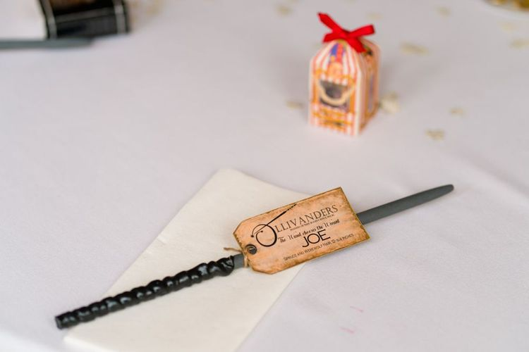 DIY Wand Wedding Favours for Harry Potter Wedding Theme