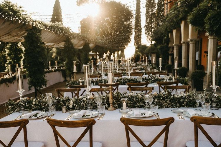 Wedding breakfast decor with gold detail at Villa Le Fontanelle