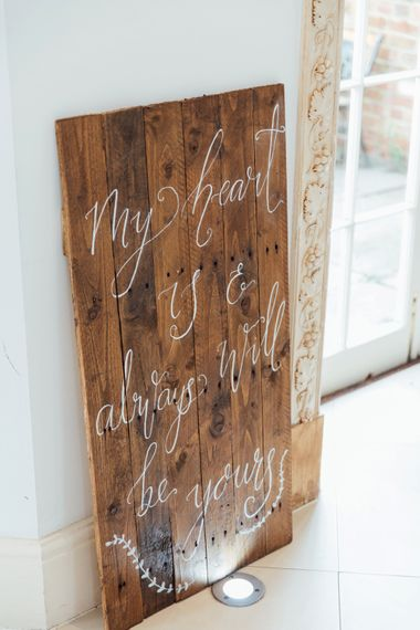 DIY Pallet Signage | White Calligraphy | French Rustic at Northbrook Park in Surrey | Images by Charlotte Bryer-Ash
