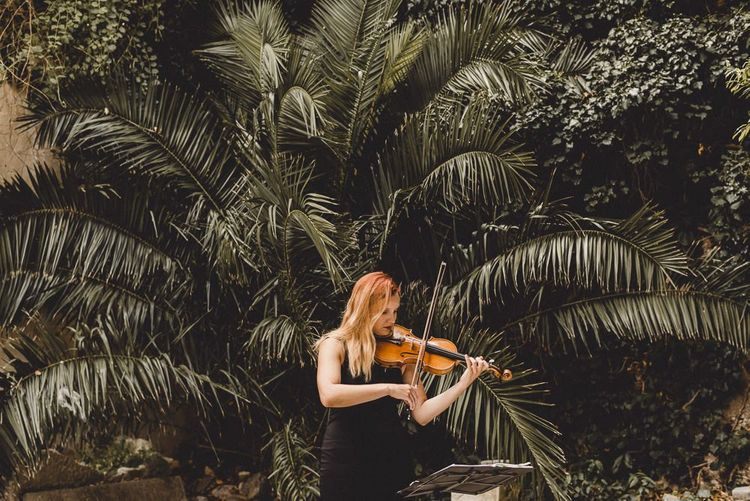 Violinist plays during elopement