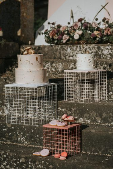 Wire cake stands