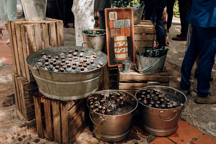 Reception Drinks in Buckets | Malaga Destination Wedding | Sara Lobla Photography | Un Par de Medias Film