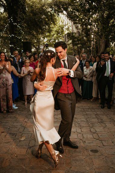 Bride & Groom Tango First Dance | Malaga Destination Wedding | Sara Lobla Photography | Un Par de Medias Film