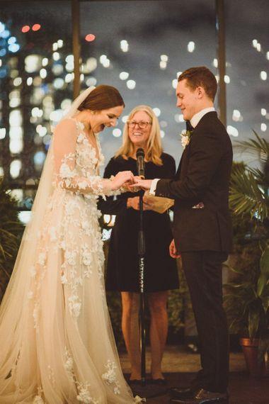 在新娘的新娘婚礼上