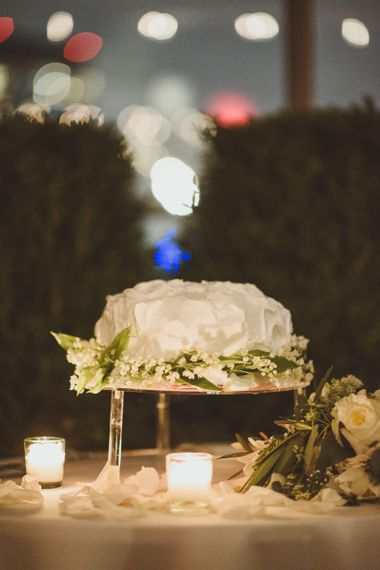 白色的婚礼蛋糕