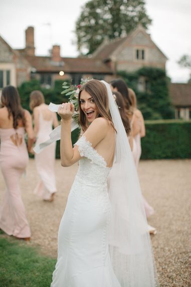 Bridal Party | Bride in Pronovias Wedding Dress | Bridesmaids in Peach Revolve Dresses | Contemporary Elegance Wedding in the Countryside  | M & J Photography | Film by Jacob and Pauline