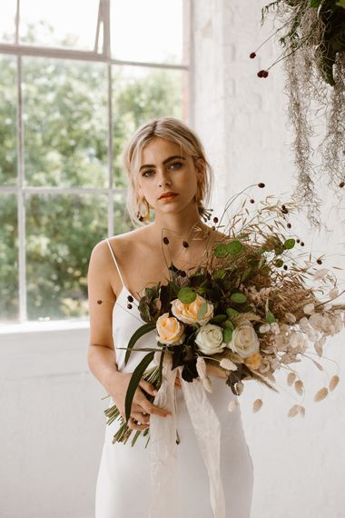 Dried Grass Wedding Bouquet // Minimalist Bridal Inspiration Styled By One Stylish Day With Foliage & Dried Flowers // Bridal Wear By Halfpenny London // Images By Agnes Black