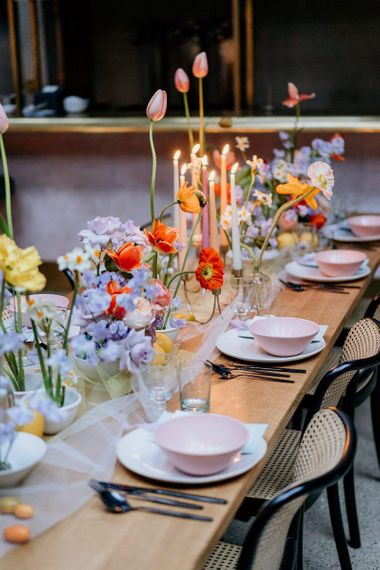 Bright spring table decor and flowers