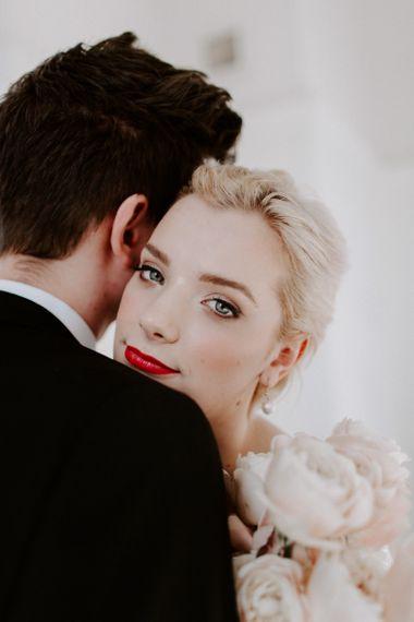 Flawless bridal hair and makeup - modern wedding ideas