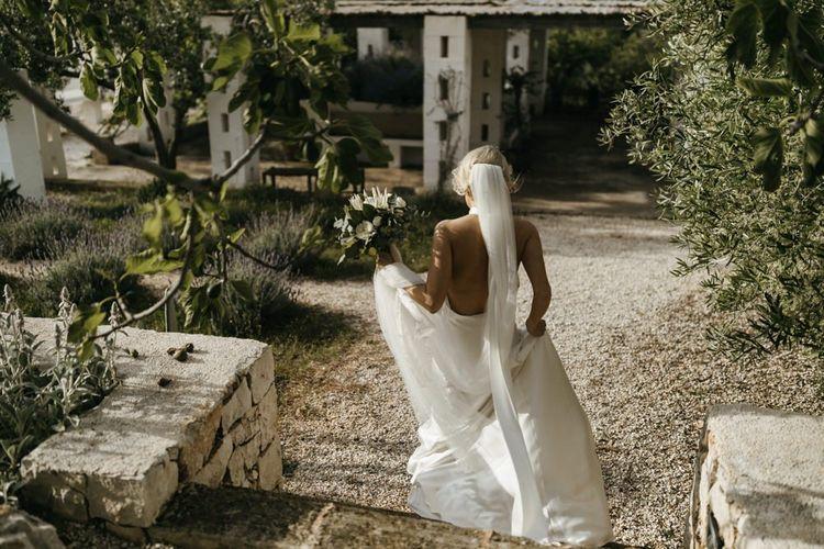 Backless wedding dress with veil for destination wedding