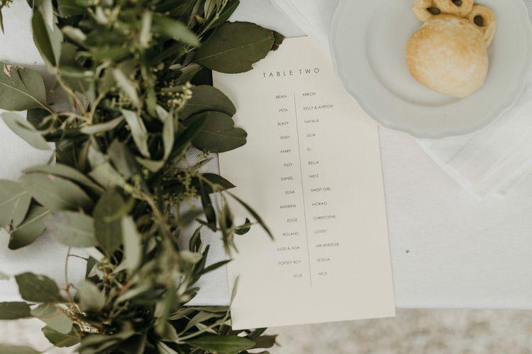 Foliage wedding decor at Masseria Moroseta