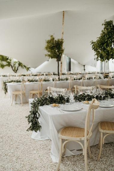 Minimalist wedding decor at Masseria Moroseta