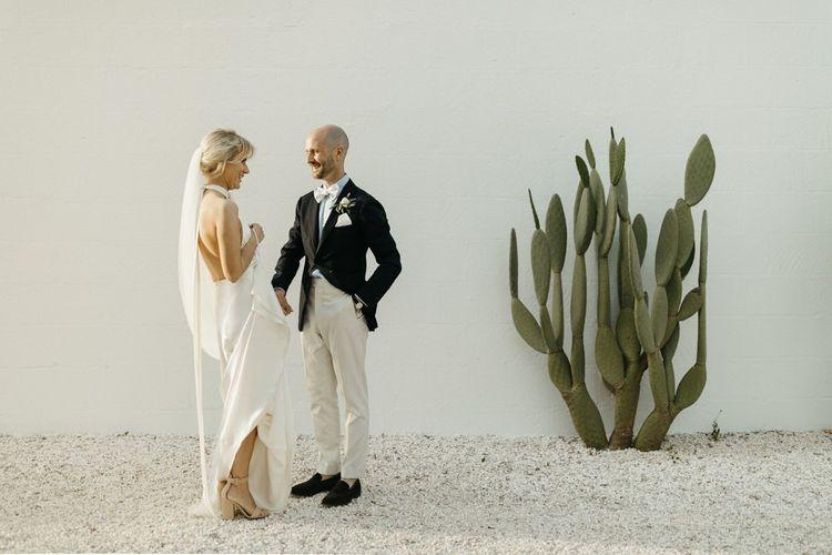 Minimalist wedding with foliage decor