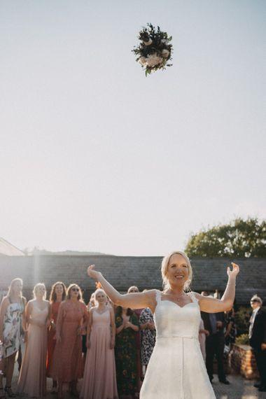 Bridal bouquet throw