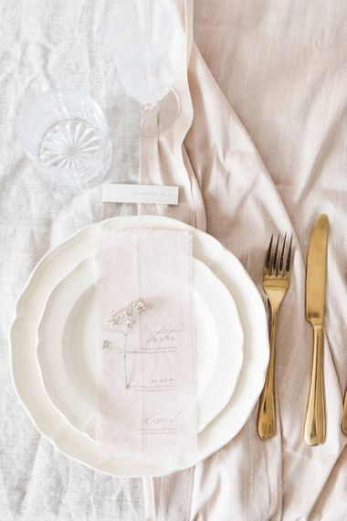 Elegant Place Setting | Vine in the Wild Wedding Stationery | Sophisticated Pastel Wedding Inspiration from Jean Jackson Couture | Emma Pilkington Photography