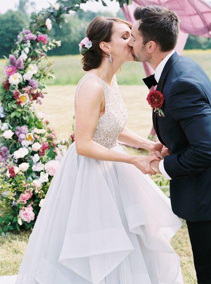 Hayley Paige Wedding Dress // Bramble & Wild Florist