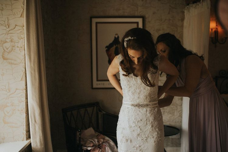 Wedding Morning Bridal Preparations | Lace Lusan Mandongus Wedding Dress | Vintage Dewsall Court Wedding | Kerry Diamond Photography