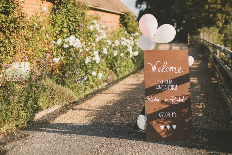 DIY wedding decor and wooden wedding signs