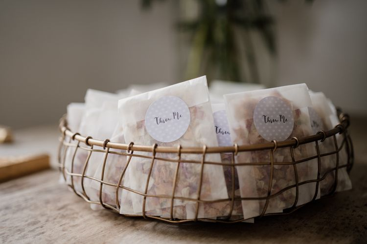 Individual confetti bags in wire basket