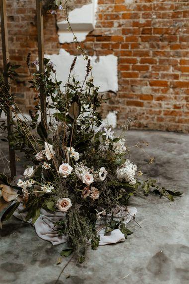 粉色花朵的婚礼插花