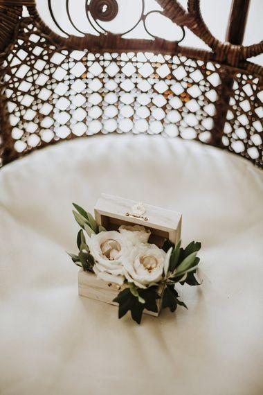White wedding buttonholes for Italian wedding