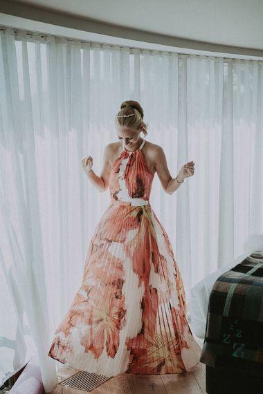 Getting Ready For Wedding // Image By Jason Mark Harris
