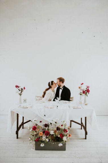 Sweetheart table for minimalist micro wedding