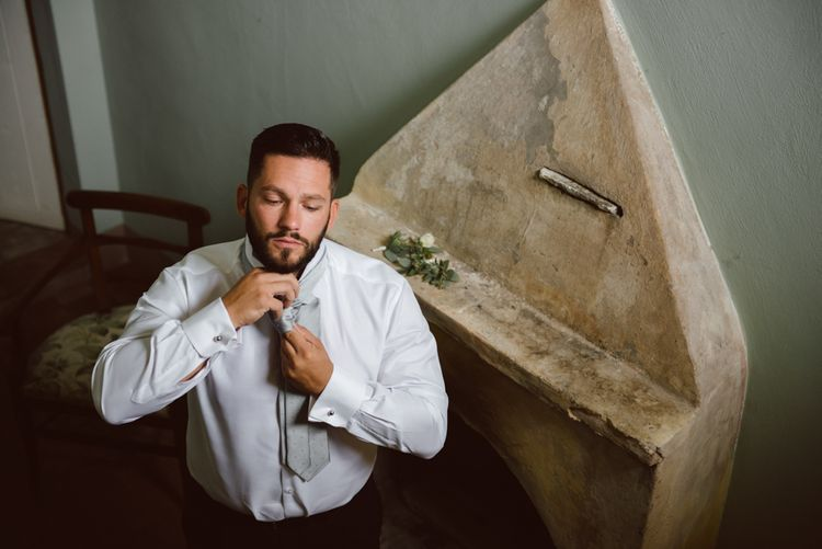 Wedding Morning Grooms Preparations | Green & White Bohemian Wedding in the Rain at Castello di San Sebastiano da Po, Italy | Margherita Calati Photography | Second Shooter Carlo Vittorio