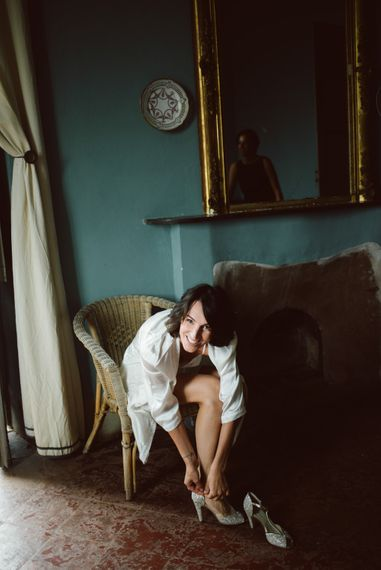 Wedding Morning Bridal Preparations | Anniel Shoes | Green & White Bohemian Wedding in the Rain at Castello di San Sebastiano da Po, Italy | Margherita Calati Photography | Second Shooter Carlo Vittorio
