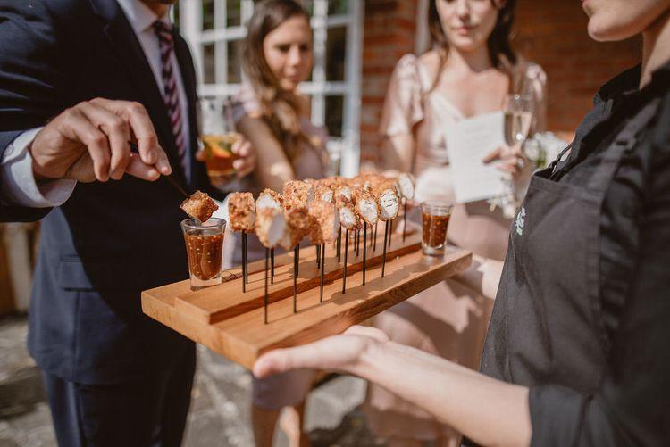 手指和叉子的婚礼点心创意