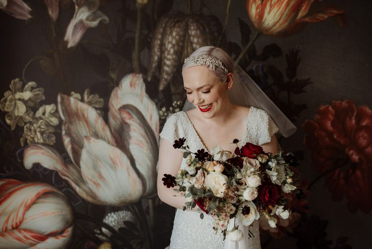 1920s wedding dress and wedding hair accessories for short hair