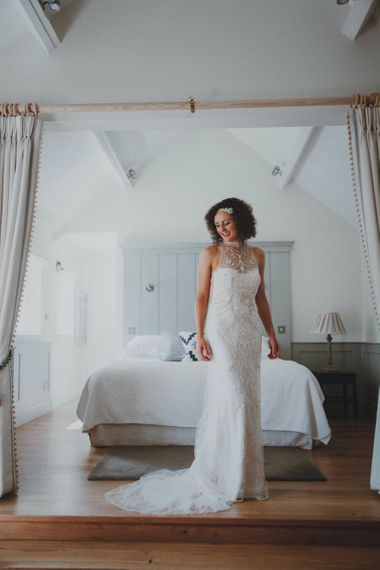 Bride with Naturally curly short hair and headband