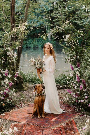 柳木农场环保婚礼上美丽的波西米亚新娘