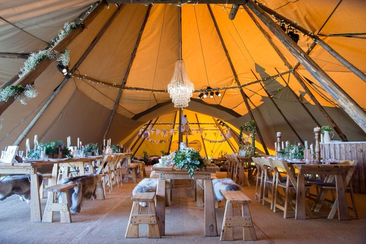 How To Style Your Tipi Wedding // Image By Sarah Lauren Photography