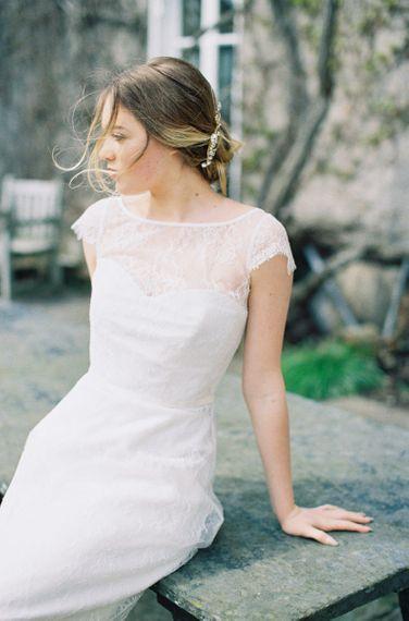Bride in Lace Naomi Neoh Wedding Dress