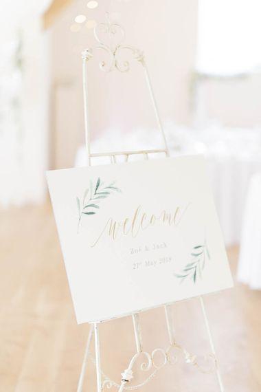 Elegant Stationery With Leaf Design