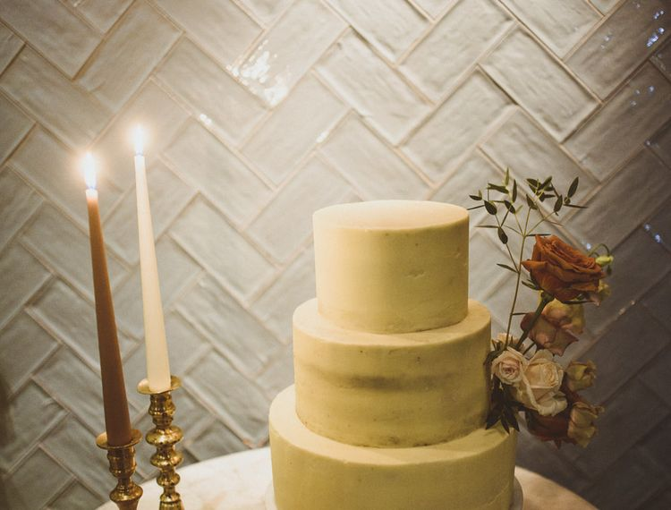 White wedding cake at cosy and Intimate winter wedding