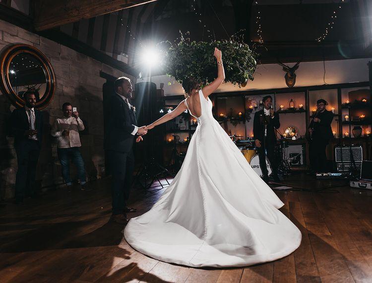 克莱尔·克莱尔的婚礼上的裙子