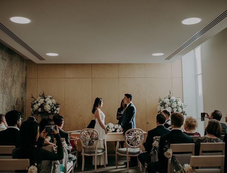 婚礼和婚礼俱乐部的晚宴和切尔西葡萄酒