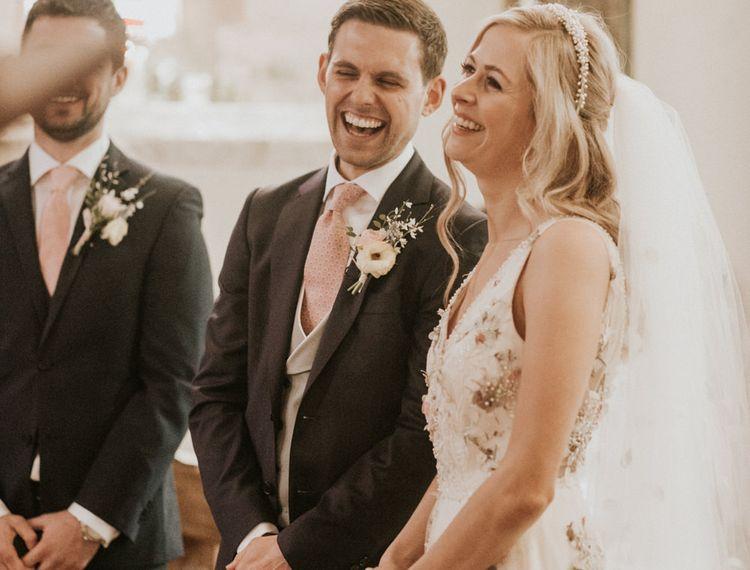 婚礼和婚礼仪式上的微笑