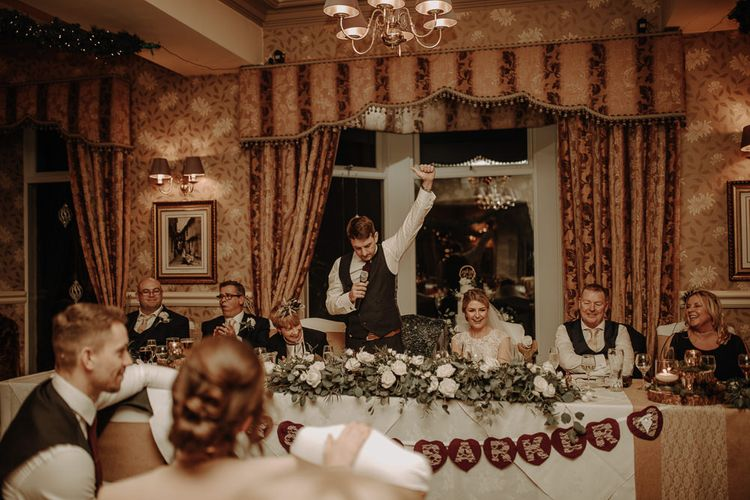 在冬季婚礼上的圣诞快乐
