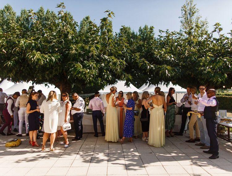 客人欢迎来到波尔多葡萄酒俱乐部