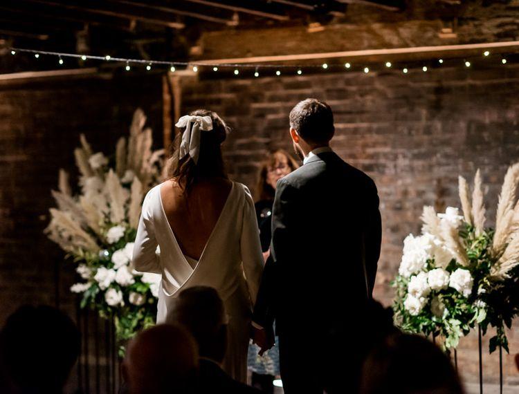 婚礼舞会上的婚礼和迪斯科俱乐部