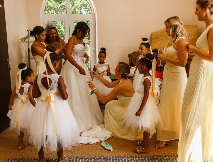 婚礼准备参加婚礼派对