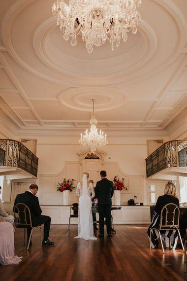 Poole登记处办公室亲密的婚礼