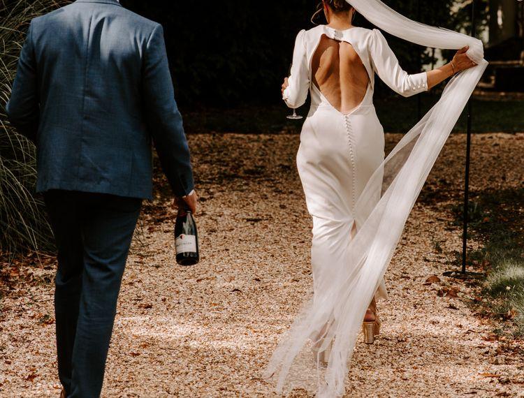 结婚戒指的礼服