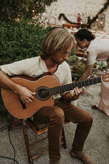Guitarist at Spanish destination wedding